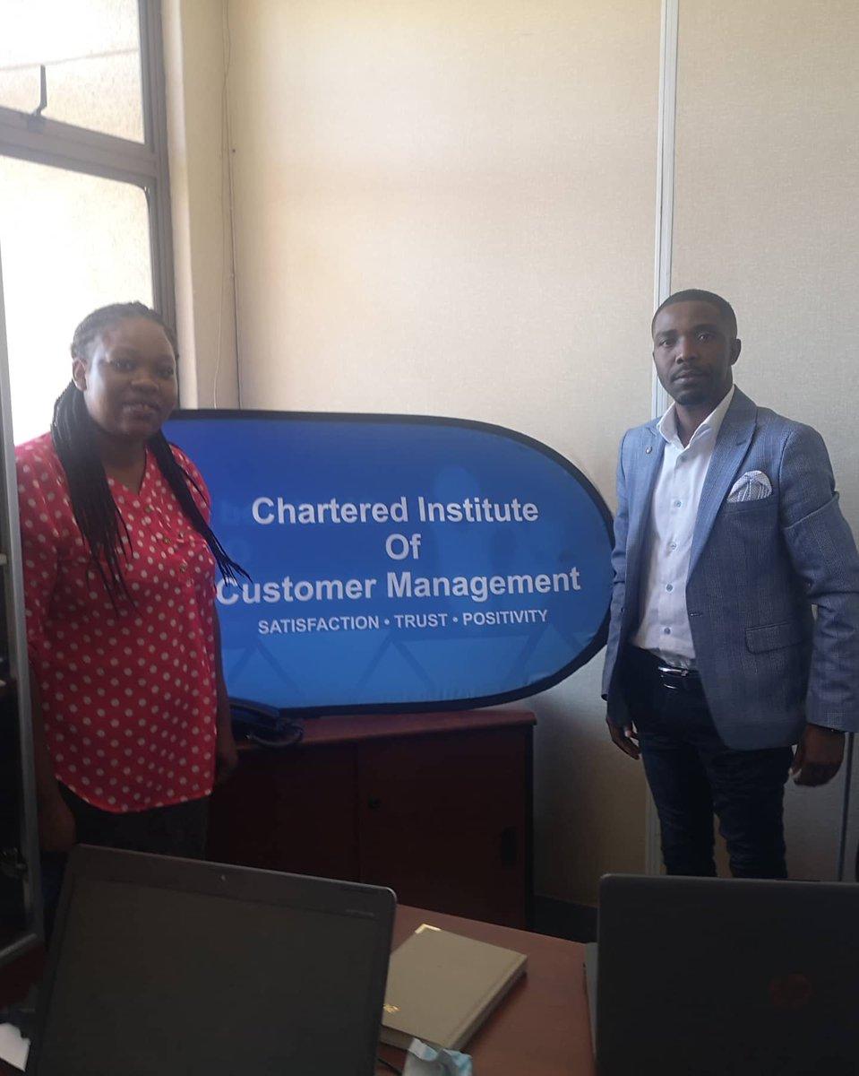 Sunday work. Social media management training at Chartered Institute of Customer Management @IdeasZaka @Mavhure @retweet263 @ZIPROfficial @ChampionsZim @zfu_official