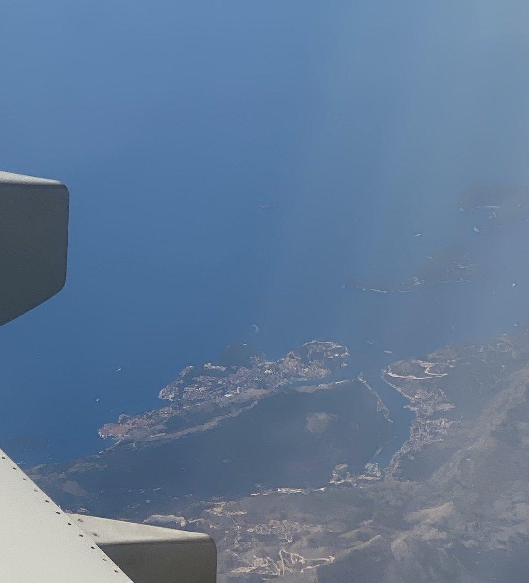 Dubrovnik 🇭🇷, Ulqin 🇲🇪 & Kepi i Radonit 🇦🇱 from the beautiful sunny Sunday sky. #AdriaticSea https://t.co/FL1qpxs2ZS