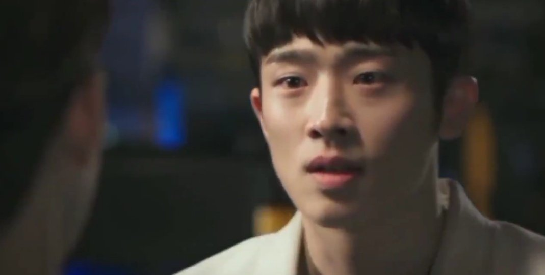 It's mindblowing how EASILY these actors can navigate the QUICK SHIFT of their emotions by translating that in the way they look at each other. Gook misunderstood TaeJoo's confession here as yet another teasing so he raged and GiChan portrayed hurt in the most MESMERIZING way.