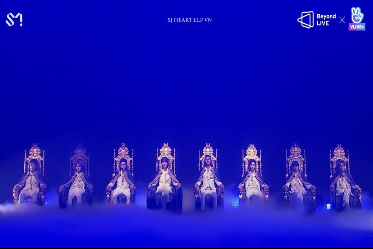 #Beyond_The_SuperShow  #Beyond_LIVE_SuperJunior   #VLIVE  #TheKingOfHallyu 👑 https://t.co/1jnvDwivkD