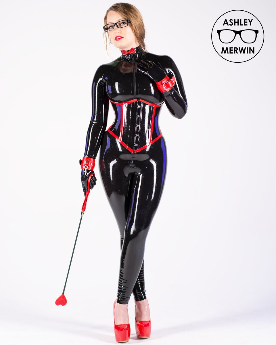 Black and red latex mix so well...  To see more of me visit my patreon or onlyfans:  https://t.co/7j1AYLuoFU https://t.co/wl5wUatLyS  Shined by: @VivishineLatex Latex by: @westward_bound  #fetishphotography #fetishgoddess #latexgoddess #latexcatsuit #rubbergirl #skintight #látex https://t.co/525PLCSPo4