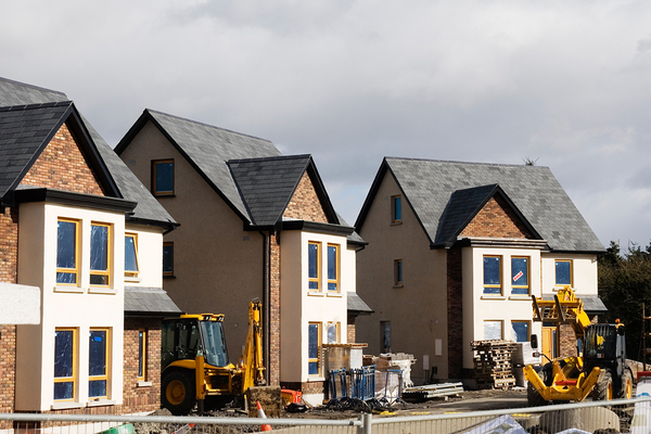 40% of homes granted planning permission not built, says Shelter https://t.co/3COoBqg2x4 #ukhousing https://t.co/ap3LVnULNk