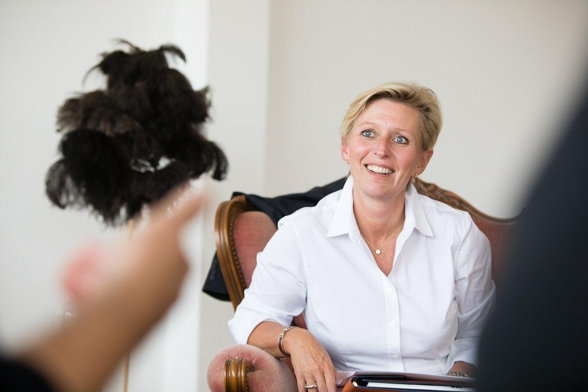 Françoise Carlier is de expert op ons webinar rond auteursrechten (22/9)! Ze werkt al sinds 1994 als juriste in de creatieve sector en de audiovisuele media en kreeg internationale ervaring door haar werk bij Kuifje en Studio 100. Gratis inschrijven 👉  https://t.co/M6PgNowOrk https://t.co/78ZeGOFkLy