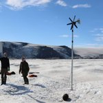 Image for the Tweet beginning: A #GPS on Grímsvötn ice