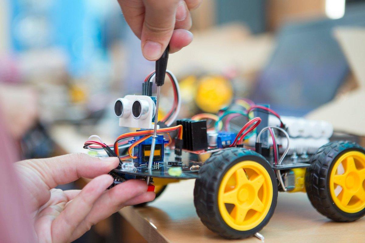 Wil je ook starten met robotica- en programmeeronderwijs, maar loop je vast? Bekijk dan onze blog met drie handige tips voor het starten met robotica- en programmeerlessen: https://t.co/aGyF9p0nI4.  #robotica #programmeren #onderwijs  3/3 https://t.co/vazbCPWEMP