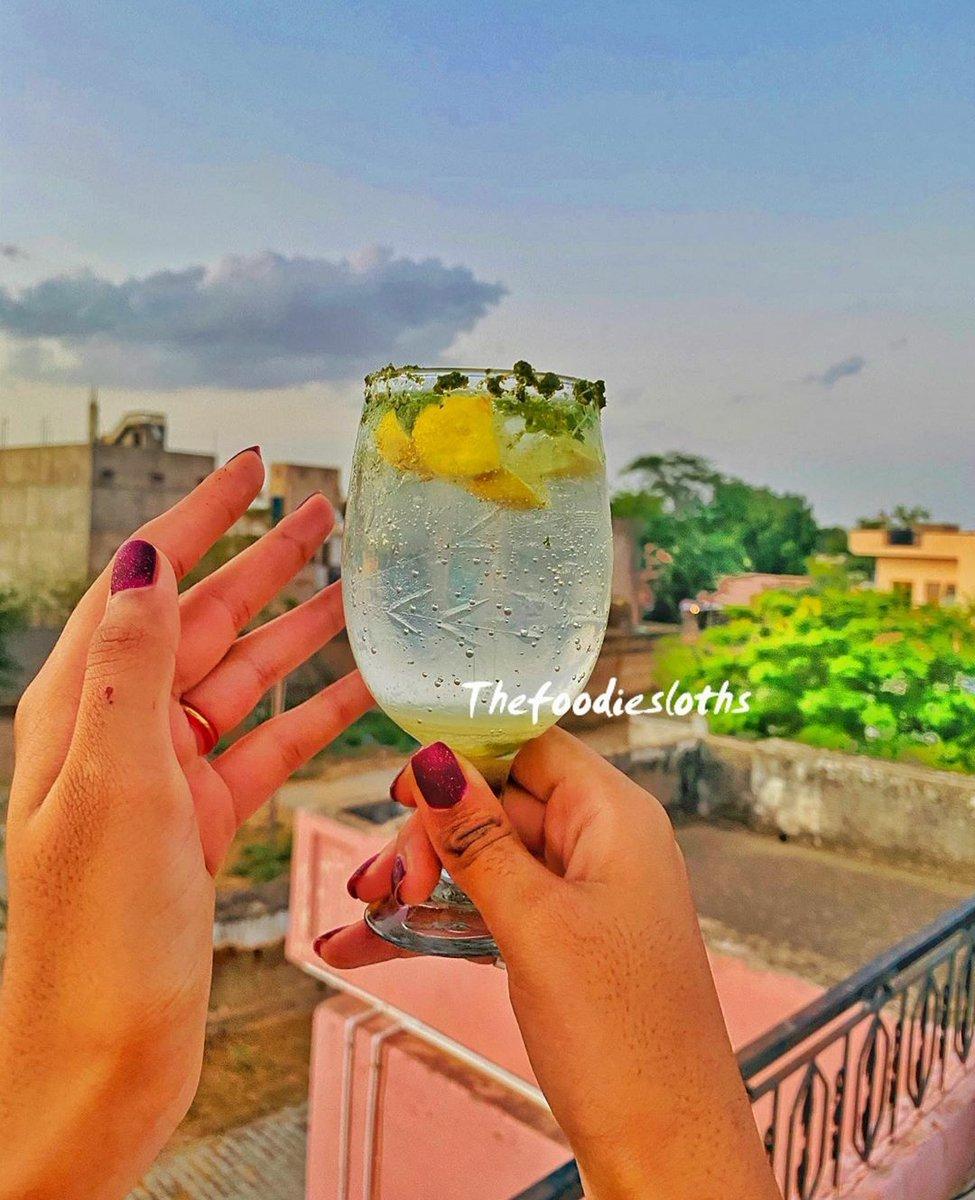Art :Virgin Mojito😻 Artist: @prachijodha96❣️ #artist #art #artwork #illustration #foodie #food #foodblog #ArtistOnTwitter #Blog #blogger #StayHome #StaySafe #COVID19 @WaasiJaipur @jaipur_blogger @jaipurblogger @BeautifulJaipur @SanjeevKapoor @TheVikasKhanna