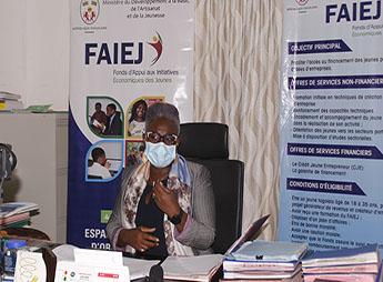 'La jeunesse est la seule richesse du Togo'  Sahouda Gbadamassi-Mivedor, directrice du Fonds d'appui aux initiatives économiques des jeunes (#FAIEJ) y croit de toutes ses forces. #Togo @faiejtogo @GouvTg @les2AA   👉https://t.co/Du3NThmQRK https://t.co/YVC4akxKGy