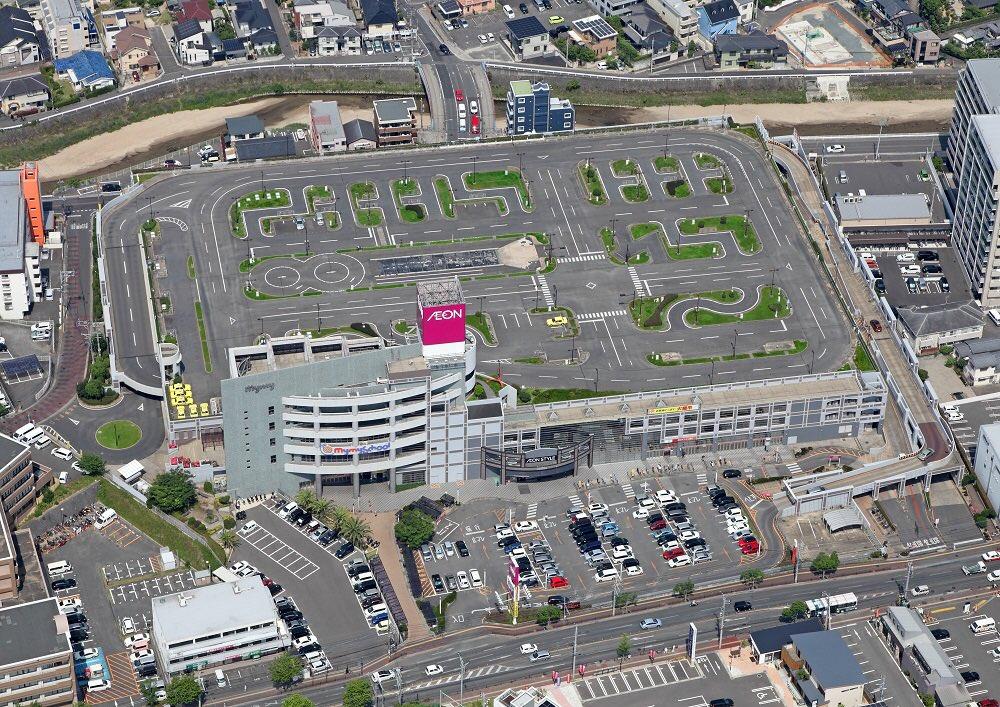 福岡にはイオンの屋上を駐車場ではなく車校にした所があるんすよ…()