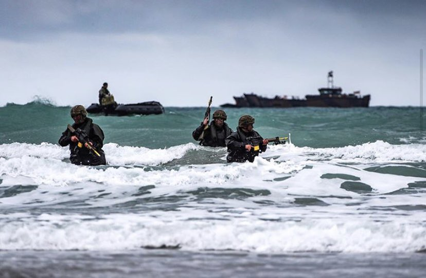 Recent 📷 of @RoyalMarines from @47CdoRM & @40commando training in Cornwall 🗡