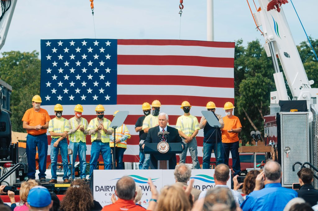 Pleased to be joined by @SecGeneScalia, @SenRonJohnson and @derrickvanorden today in La Crosse, WI on this GREAT #LaborDay 2020! The hardworking men and women of Wisconsin, have a champion in President @realDonaldTrump! #JOBSJOBSJOBS 🇺🇸