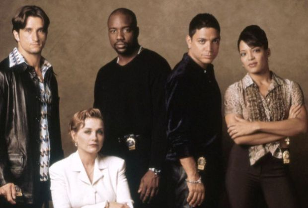 In 1994 and 26 Years Ago, #NewYorkUndercover premiered on @FOXTV on this day hope @peacockTV picks the revival up RT and Like if you love this show (@MalikYoba, @theRealMikeDelo, #PattiDArbanvilleQuinn, @LunaLaurenVeIez, @JLa_Paglia, @MrJoshHopkins, #MarissaRyan, #TommyFord) https://t.co/25xziKV3Zd