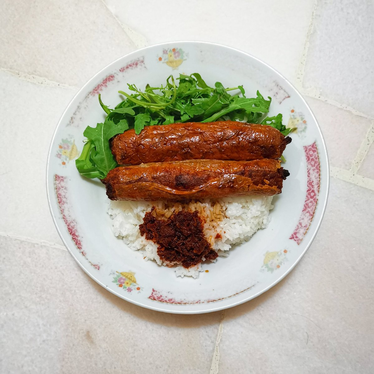 A simple meal #meatroll #arugula #almuerzo #ketodiet #organic #healthy #fitness #lifestyle #coffee #tea #homemade #StayAtHome #eatathome #abendessen #easyrecipes #家常菜 #料理写真 #おいしい #저녁식사 https://t.co/DmN8ABFQ98