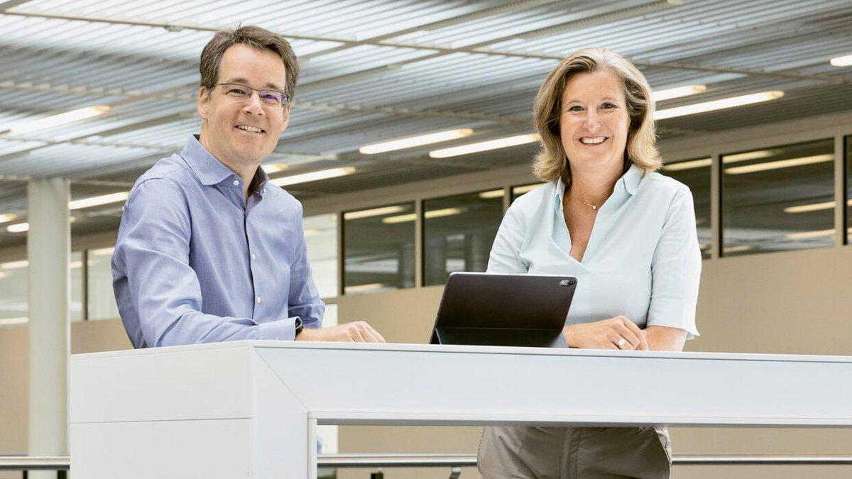 Aus dem aktuellen Cargo Magazin: Der neue Verwaltungsratspräsident Eric Grob und Désirée Baer, seit März 2020 CEO von SBB Cargo, reden über die Ziele der neuen Führung, den Partner Swiss Combi und über die Gemeinsamkeiten von Golf und Güterwagen. https://t.co/m9mLllPlF5 /Im https://t.co/ULPcRrWAUa