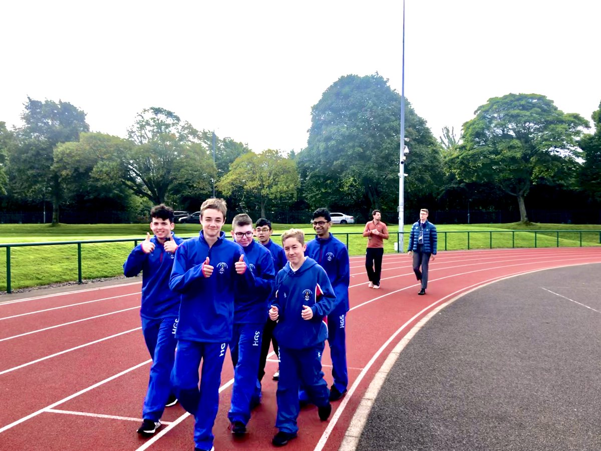S4 enjoyed some fresh air and morning sunshine for the Morning Mile - a chance to wake up and energise for the day ahead. #Belong #Flourish #Achieve https://t.co/NFwmdOiiDi