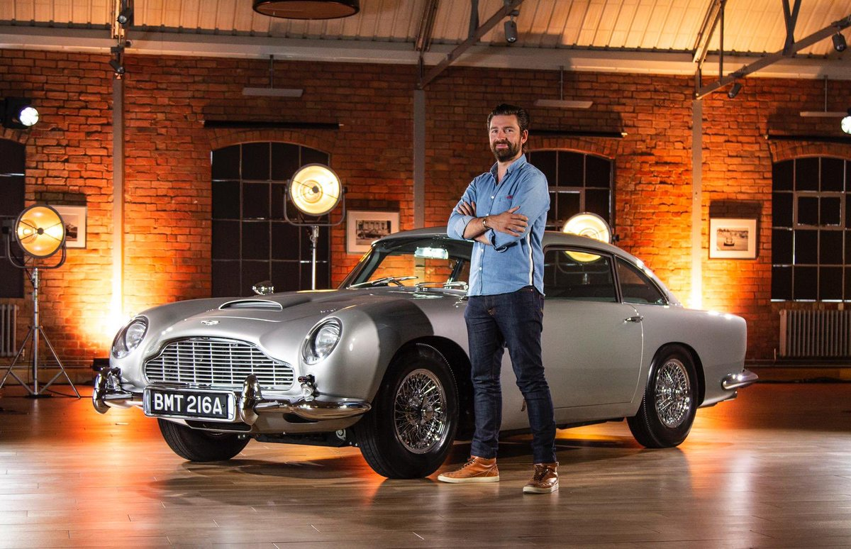 NEW VIDEO LIVE! Aston Martin DB5 Goldfinger Continuation with actual working 007 gadgets!   Smoke screen and guns right here! https://t.co/axgDJFOp6I https://t.co/jj82yDBRk1