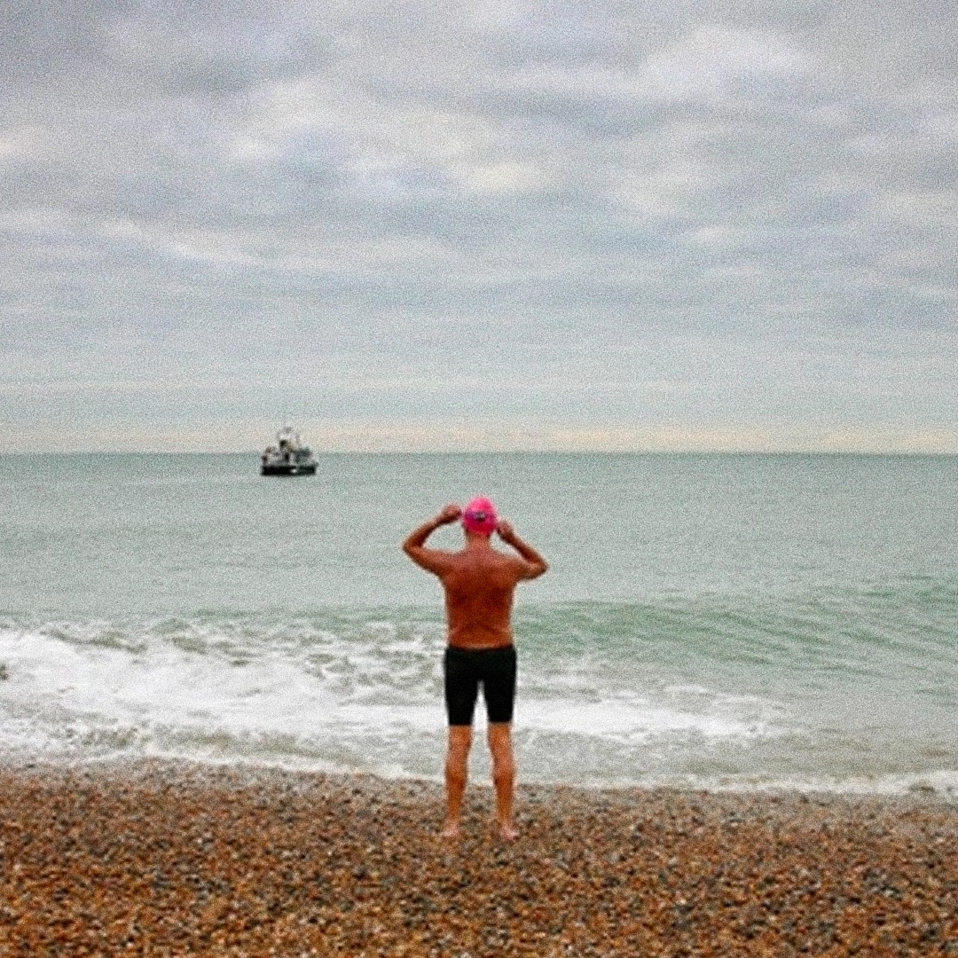 Good luck to Beggar's Group CEO Paul Redding 🏊♂️   Paul is swimming the channel to raise funds for @prsfoundation and @SweetRelief.    Click here to find out more and donate: https://t.co/SqB1UHlaSa https://t.co/BqWIFaZUlP