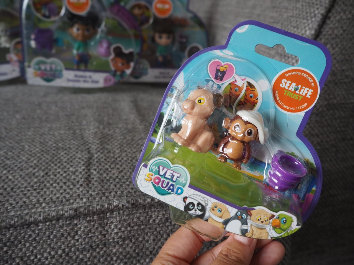 These small packs are fab - a great way to add more animals to your collection #VetSquad @BlogOnUK @VividToyGroup #ad https://t.co/LFbzWsnZke