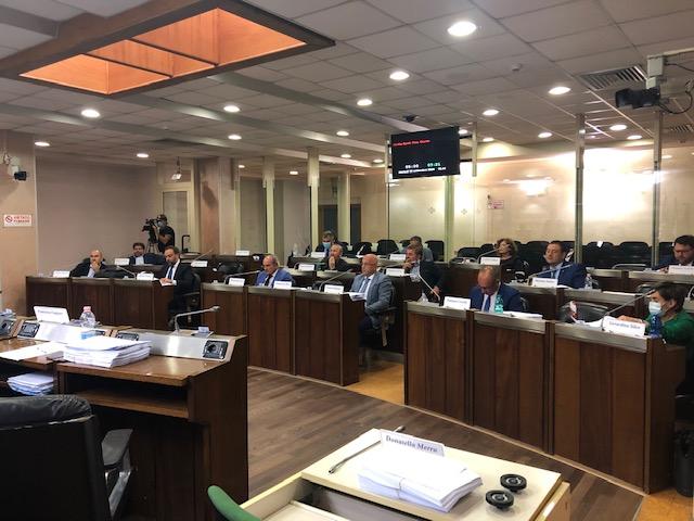 Iniziata da poco la seduta del Consiglio regionale...