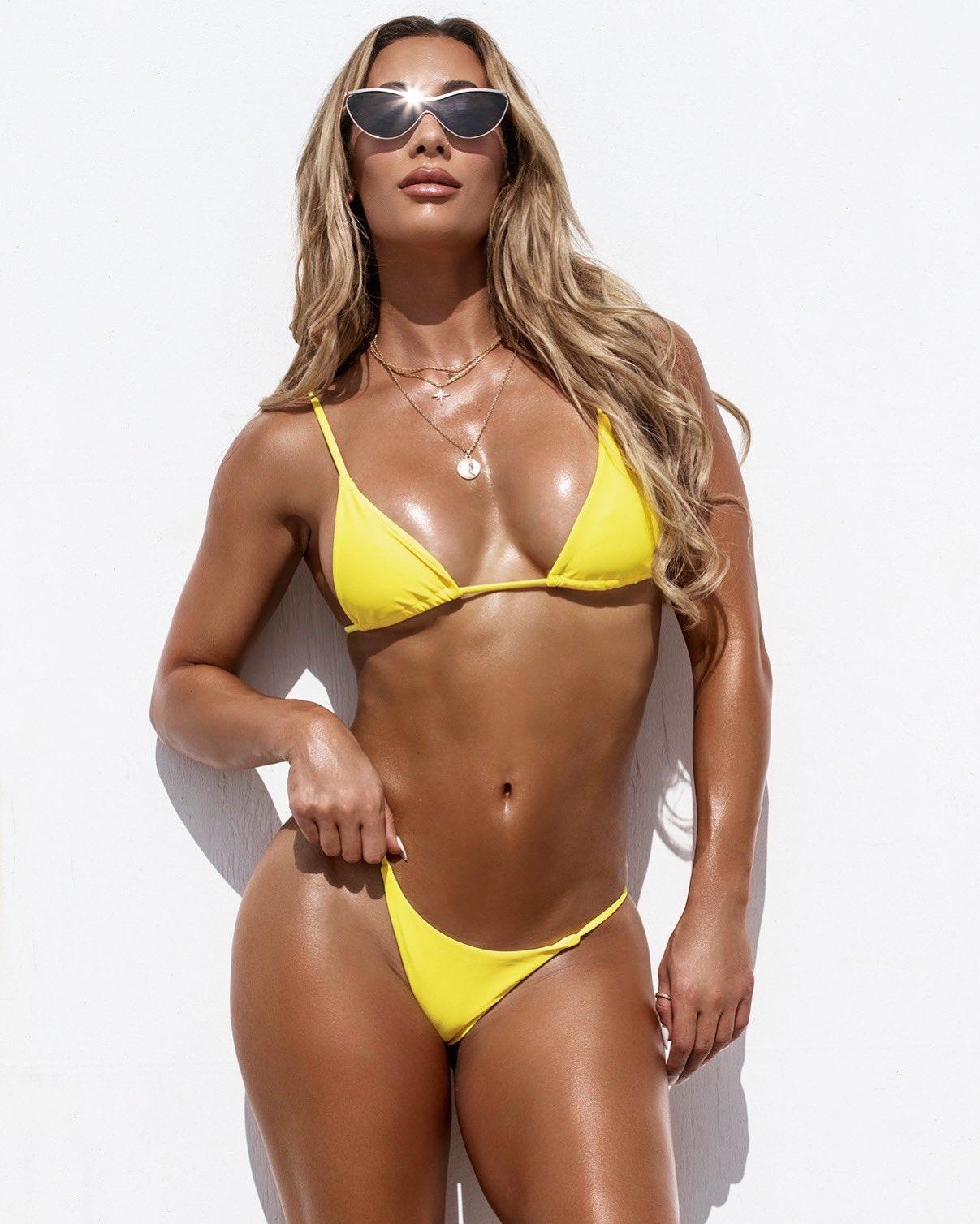 Carmella Hot