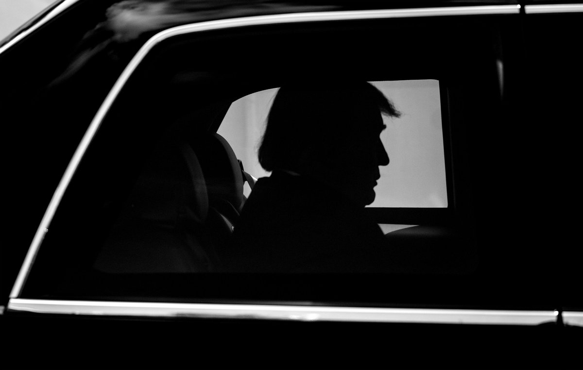 .@realDonaldTrump departs the White House via a motorcade as he heads to Joint Base Andrews, Md, for a for a trip to Florida and North Carolina. https://t.co/uOTQBssEKR
