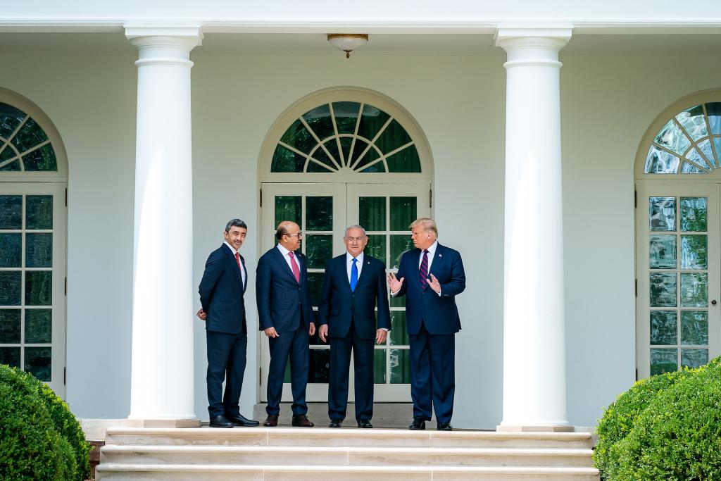 The signing of the Abraham Accords today begins a new, brighter chapter for the Middle East.  President @realDonaldTrump's bold diplomacy gets results yet again!  1600 Daily: https://t.co/A68ueVC88u https://t.co/c3K8nVCieR