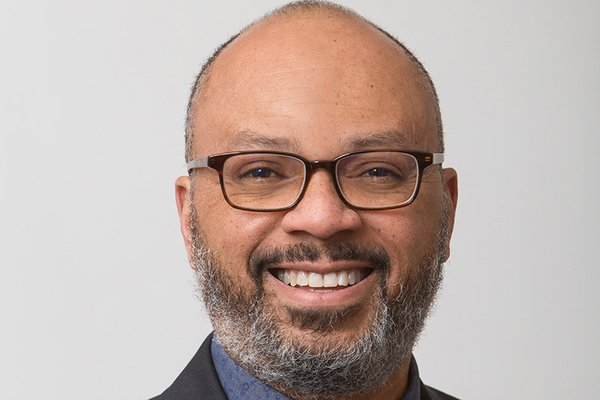 The Andrew W. Mellon Foundation has announced, Phillip B. Harper '88 who currently serves as the Dean of the Grad School of A&S at NYU has been appointed as the new Program Director for the Foundation's Higher Learning. Congrats to our fellow Cornellian! https://t.co/IVtCledi3Z https://t.co/BiMzxUWizU