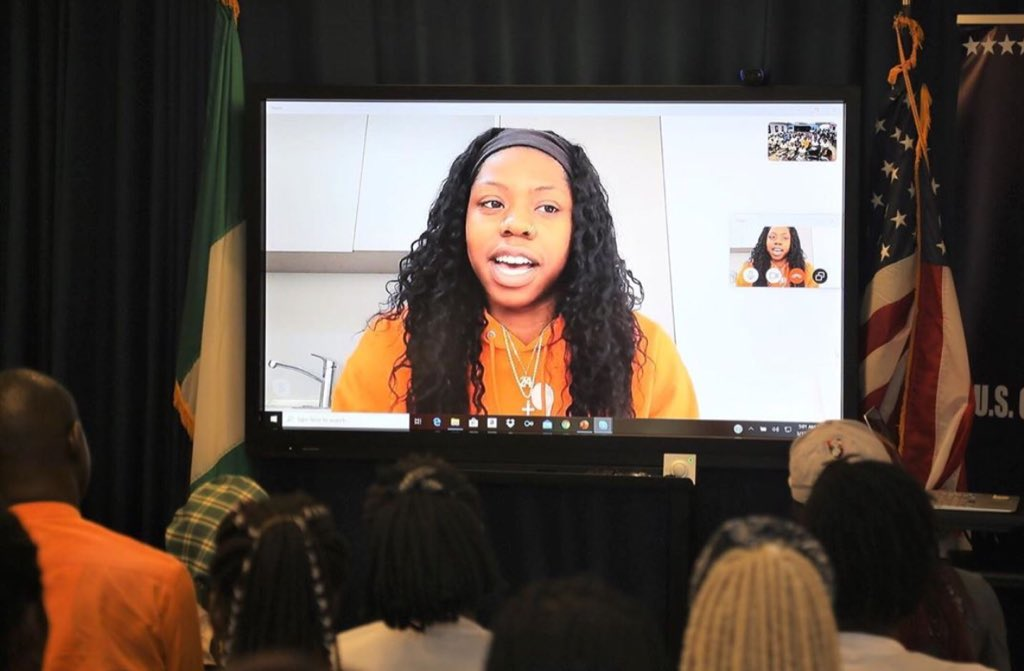 """Earlier this year, @Arike_O spoke to young student athletes in Nigeria about her route to the @WNBA and her passion for the game.   The program entitled """"Empowering Women and Girls through Sports,"""" was organised by the US Consulate in Lagos.   Keep making us proud, Arike. https://t.co/o4qfZc6Ayb"""