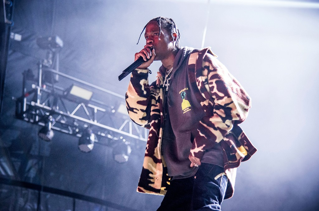 travis-scott-is-wielding-his-voice-for-change-as-a-tool-in-the-black-lives-matter-movement Photo