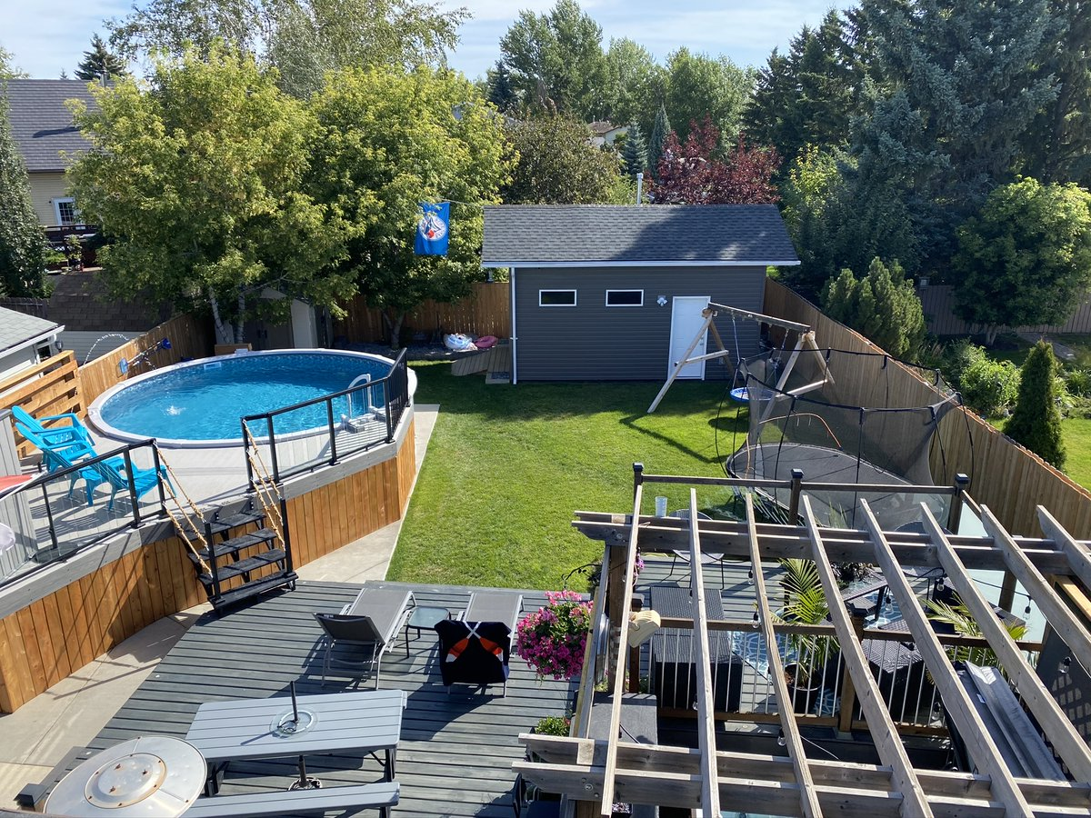 Thank you, Kyle & Alysa M from Saskatoon, Saskatchewan 🍁 for sharing your #pool project from @PoolSuppliesCdn   👍 Give it a like to support our local Canadian pool community. We love the 🇨🇦 flag and the Blue Jays 🐦flag in their backyard! #DIYPool #Canadian #BlueJays #Canada https://t.co/Jc05ZonQZQ