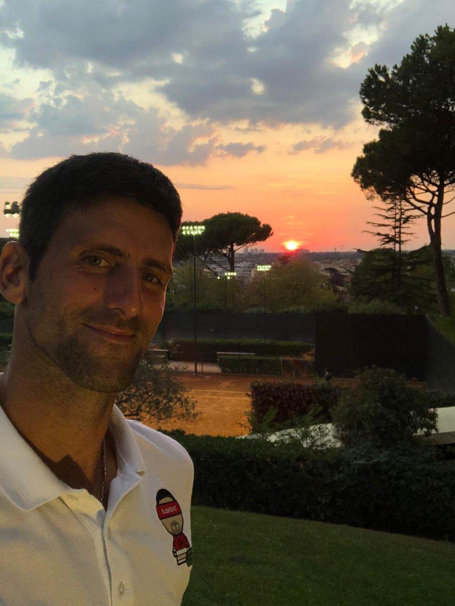 Излазак и залазак сунца, два најлепша дела дана 😍🌅 Пуњење батерија за сутрашњи почетак турнира у Риму. Идемооо 💪 Two most beautiful parts of the day: Sunrise and Sunset 🌅😍 Recharging the batteries for tomorrow's start of Rome tournament. Let's go 💪 #IBI20 https://t.co/uuguiZbGip