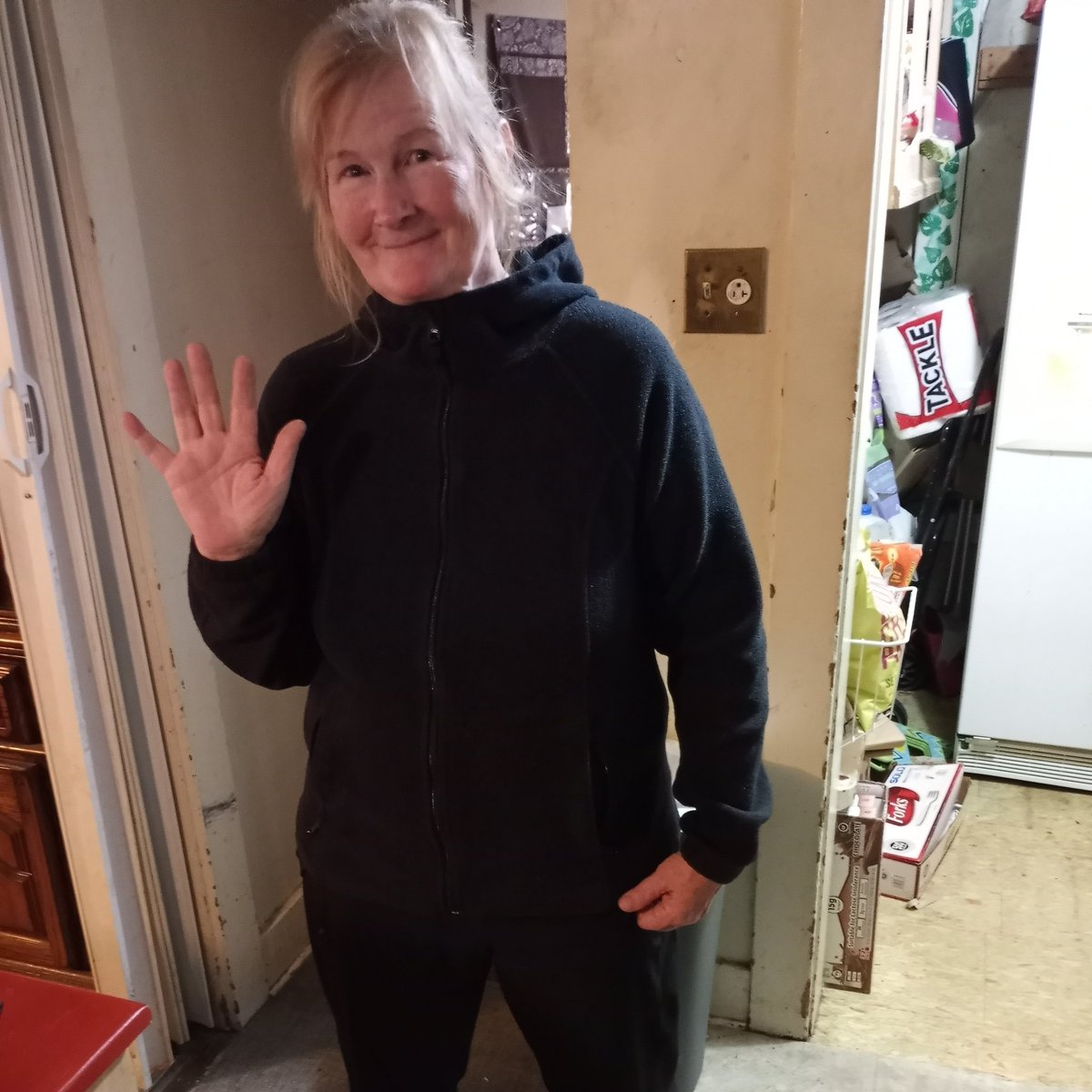 @chamath @Opendoor @chamath This my mom Laura Wamsley she just lost her house [no wildfire inshrance] to the #ObenchainFire #EaglePoint #OregonFires #SouthernOregon #OregonFires2020 #Oregon #OregonStrong  https://t.co/GylvwCK9d3 https://t.co/83oB0GbhLh please share 🙏