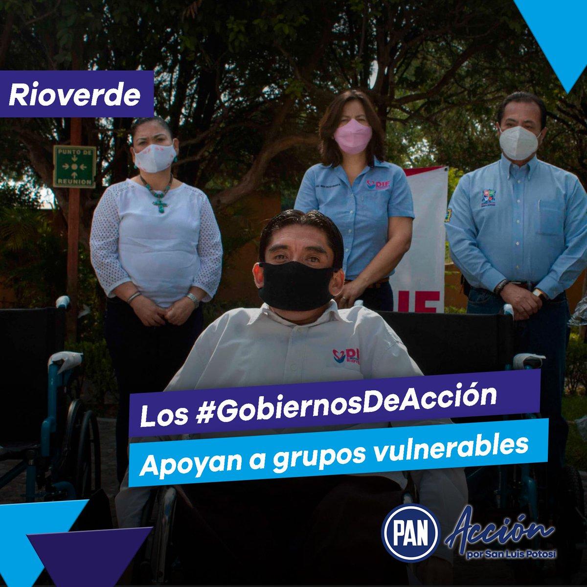 Nuestros #GobiernosDeAcción entienden las necesidades de las y los ciudadanos, ayudando a quien más lo necesita. 👏🔵  En Rioverde los gobiernos panistas donaron 6 sillas de ruedas a personas con problemas de movilidad. 👩🦽🔵🙌 https://t.co/obi40wtGKD