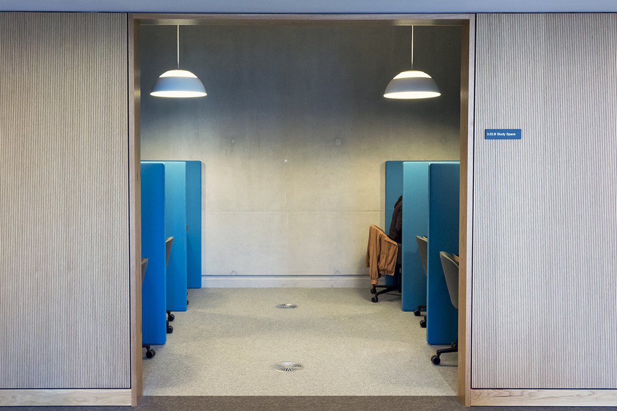 Staff and students, find out how to book a study space with @UCLLibraries: https://t.co/z1sx6XcsNc https://t.co/dAhycr5Yts