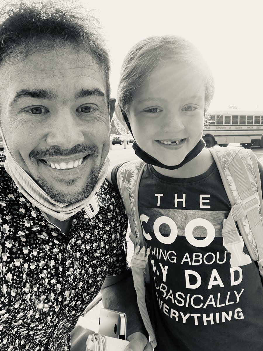 The best part of my day was unexpectedly getting a selfie with Paige after she got off the bus! Also, her shirt basically sums it up! 😍 #NewPalProud https://t.co/iF5lL71Oml