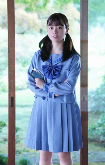 橋本環奈、初の中学生役に「大丈夫かな」セーラー服姿を披露