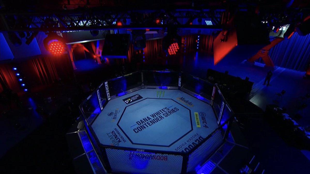 No se les olvide amigos y amigas del mundo de combate que el episodio 5 de la temporada 4 de #DWCS es en menos de 3 horas desde el  #UFCAPEX en Las Vegas. Exclusivamente por #ESPNPlus #OCTAGONO @UFCEspanol @UFCEurope @UFCBrasil @espn https://t.co/cVG8TAOjNa