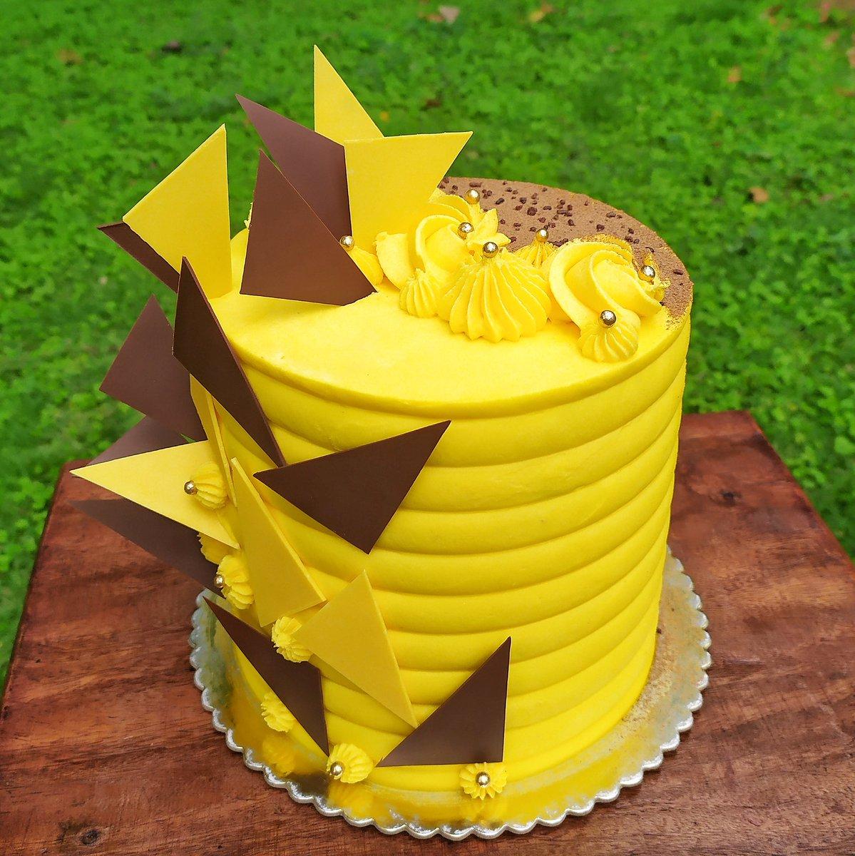 TallCake Parchita . . #cassadulce #parchita #maracuya #cake #postres #torta #dulces #smile #happy  #cumana #cumaná #venezuela https://t.co/MM70GjPaXE
