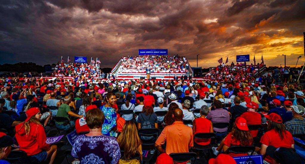 WOW. Winston-Salem brought the energy tonight—great patriots ready for #4MoreYears of President Trump! THANK YOU, North Carolina! @realDonaldTrump https://t.co/4jI66KiHJb