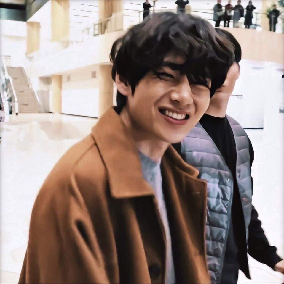 Taehyung is my favorite person in the world,he give me energy and happiness. So,I love him so much. 💜🥰 #taehyungcute  #taehyungbeautiful  #taehyungtalented  #taehyungkind #taehyungbestboy #taehyungwarm #taehyungrespectful https://t.co/FG2ECHysa8