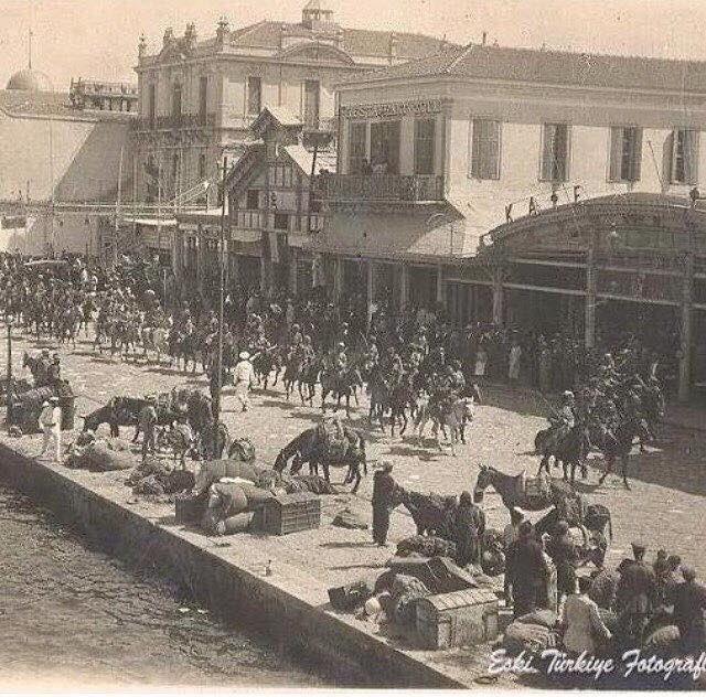 #9Eylül1922 Yunan'a hızlandırılmış yüzme kursu verildiği, İzmir'in dağlarında çiçekler açtığı gündür.  Yaşa Mustafa Kemal Paşa Yaşa 🇹🇷  #9Eylül https://t.co/EIR949433G