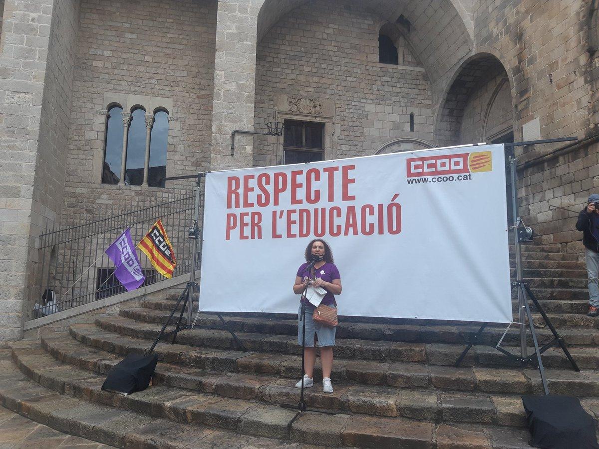 Respecte pero l'educació @CCOOeducacio  @ccoocatalunya  Assemblea de tots els sector educatius a la Plaça del Rei de Barcelona. Per una tornada segura las diferentes àmbits educatius, del 0-3 a la Universitat, passant pel lleure, la no reglada o la l'atenció a la diversitat! https://t.co/eT8hHvDj7u