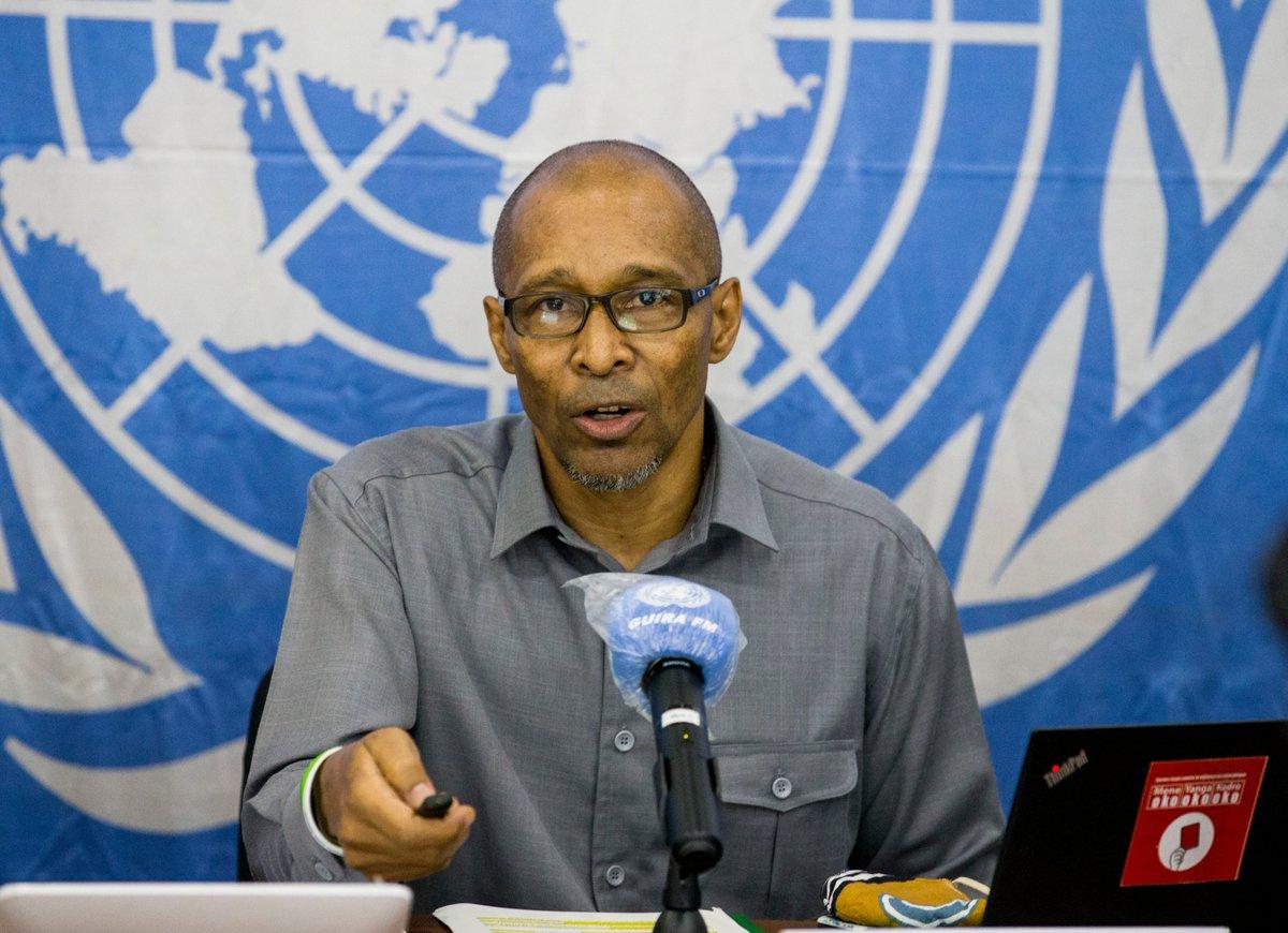 ConfPress. La détention inacceptable de 2 policiers par le 3R & dont la #MINUSCA exige la libération immédiate, les bons offices du Représentant spécial @ndiayemankeur  évoqués ce 09/09/2020 au briefing hebdomadaire. Je serai avec le Maj. Tawaye (Force) & le Cap. Gnapié (#UNPOL) https://t.co/PJnBAOD7hQ