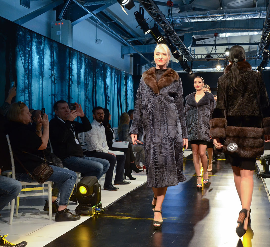 """Value Meets Quality"" at 5th edition of Fur Shopping Festival, 30.9-3.10.2020, Kastoria📍 Greece  #furshoppingfestival #furs #furfashion #fashion #fashioninsta #fashiondaily #tradefair #fair #aw20 #trends #fw #shopping #мех https://t.co/NytAhpFyVJ"
