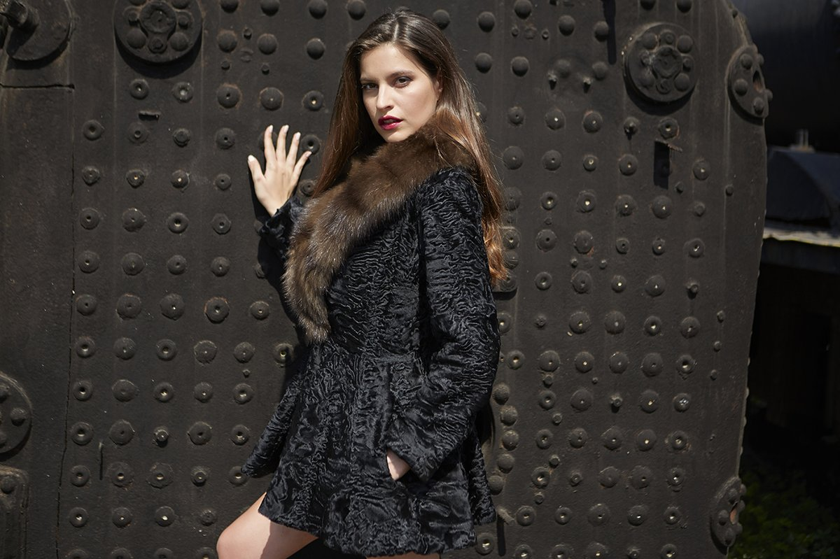 #MakisRoussoulisFurs will join Fur Shopping Festival 2020…for those who seek quality! #furshoppingfestival #furs #furfashion #fashion #fashioninsta #fashiondaily #tradefair #fair #aw20 #trends #fw #shopping #мех https://t.co/xP5Z2VOATv