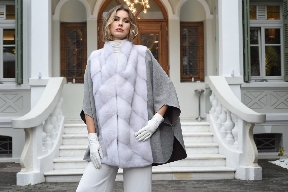 #CasianisFurs will showcase a signature collection during upcoming Fur Shopping Festival, 2020, Kastoria📍 Greece #furshoppingfestival #kastoria #furs #furfashion #furskins  #chinchilla #exhibition #tradeshow #tradefair #fair #aw20 #trends #fw #shopping #мех https://t.co/qNAzEhesOc