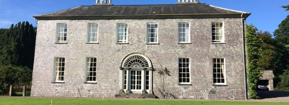We've 2 gardens in the Roaringwater Bay area open this weekend.  Drishane House & Gardens is open between 11-3 every day until 25 September, whilst @inishbeg is open daily from 10-4.   @wildatlanticway @Corkcoco @pure_cork #purecorkwelcomes @baltimoreie @skibbereenIRL https://t.co/u2hV13Pfhp