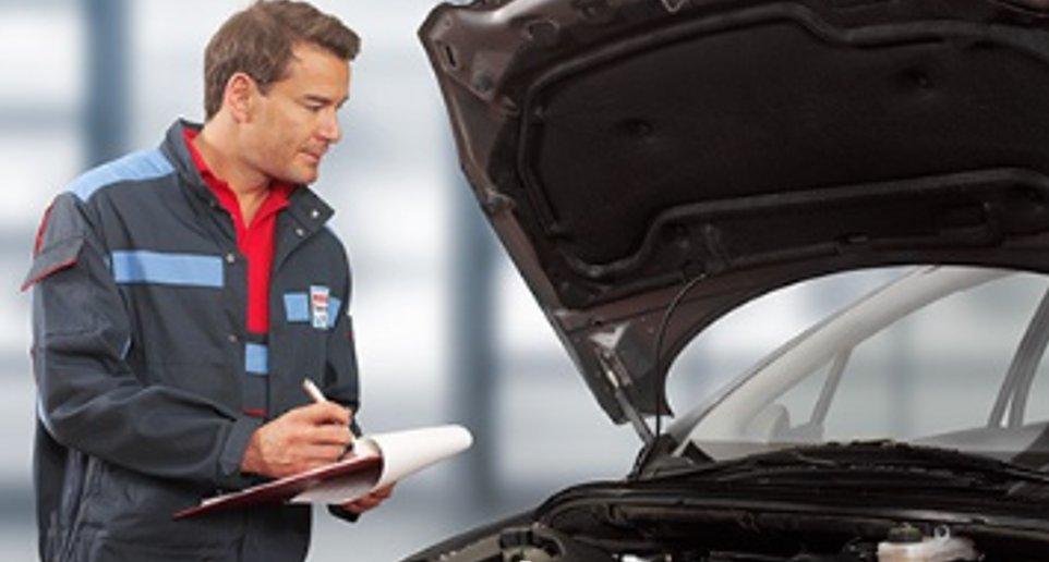 ¿Notas que las luces 💡 de tu coche no están bien alineadas 🚘? ¡Tranquilo! En los talleres #BoschCarService 👨🔧 te las revisamos. ¡Pide cita en un click! 📲 https://t.co/MOBj4qm76G https://t.co/sKbymBtrNS