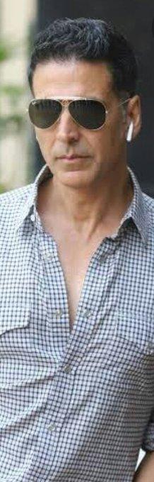 Happy birthday to my favourite actor.... AKSHAY KUMAR SIR....