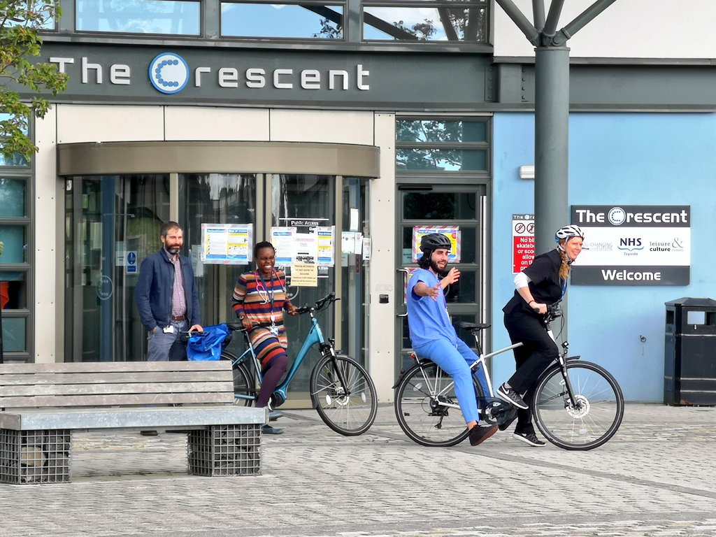 """Inspiring stuff """"cycling takes us straight to the heart of our community - Scotland's first GPs doing house-visits on eBikes""""  #WhitfieldHealthCentre championed by Dr Rebecca Forrester & @HealthDundee @ViolaM90,  #activetravel #Dundee @SustransScot @NHSTayside @nature_scot https://t.co/ErGQYRGpci"""