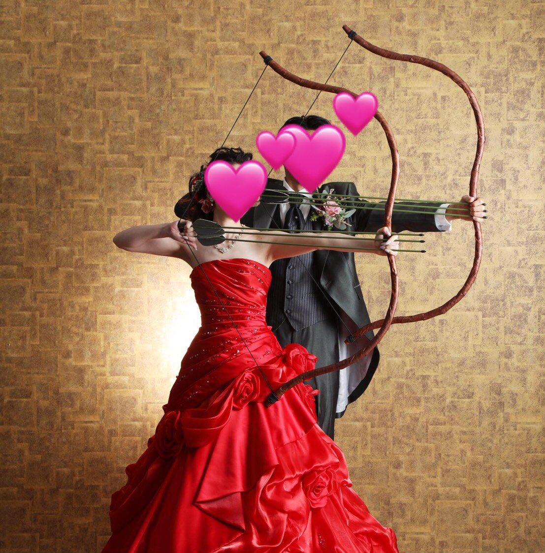 フォトウェディングを挙げたのですが、好きなポーズで撮りますよとのことだったので「映画のポスターみたいに」とお願いしたところ、とてもかっこよく撮影していただきました!ジェイ!マヒシュマティ!ジャイホー!